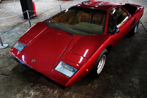 Lamborghini Countach1
